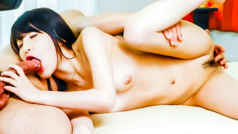 Saki Kobashi gives an asian blow job before her pussy is fucked