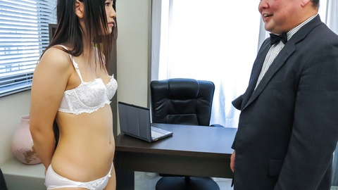 Tsuna Kimura gives an asian blowjob after toy sex